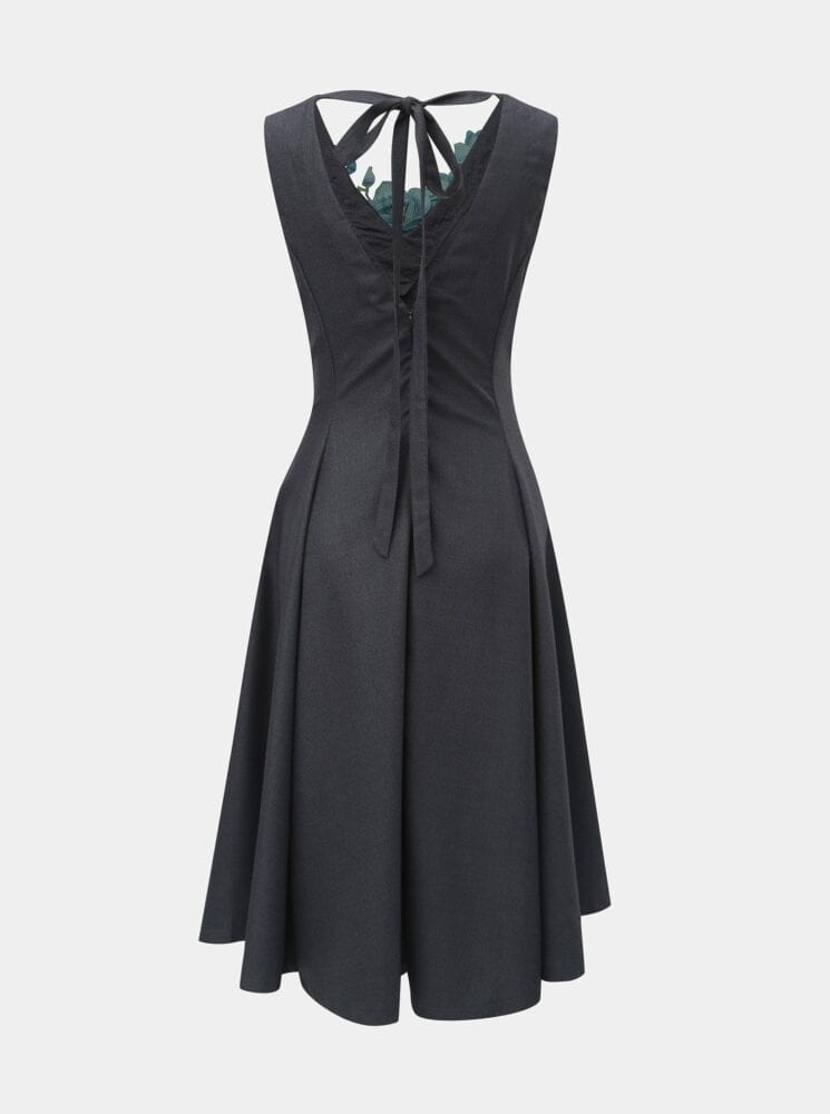Letní šaty s výšivkou