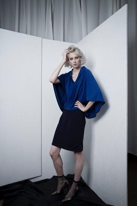 Modročerné šaty